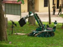 Транспортировка опасного предмета для дальнейшего уничтожения с помощью гидроразрушителя