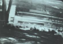 """Сооружение опалубки по периметру крыши зоны """"М"""" с помощью «Мобот-Ч-ХВ-2» (фото сделано с мониторов пульта управления)"""