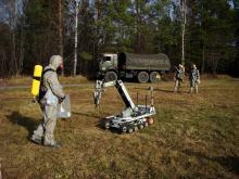 Совместная работа человека и комплекса МРК-27-МА во время учений