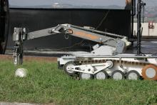 Дистанционный захват опасного предмета с помощью МРК-27