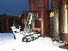 Взятие мазков с поверхности контейнеров для хранения топлива с помощью МРК-27-МА